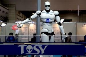 800px-TOPIO_3-ping-pong-robot